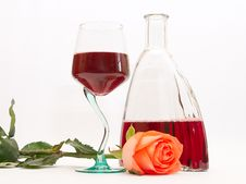Free Red Wine And Rose Royalty Free Stock Photography - 2436777
