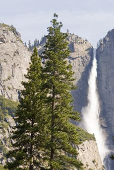 Free Upper Yosemite Falls Royalty Free Stock Image - 2437086