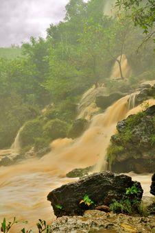 Free Muddy Waterfall Royalty Free Stock Image - 24305806