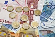 Free Euro Currency And Coins Royalty Free Stock Photography - 24336377