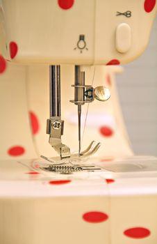 Free Retro Polka Dot Sewing Machine Stock Images - 24351494