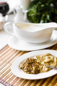 Free Dish Of Yellow Mustard Seeds Stock Photography - 24368502