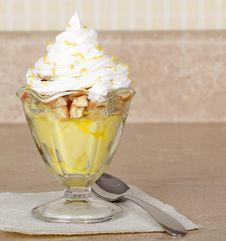 Free Lemon Pudding Dessert Stock Images - 24379944