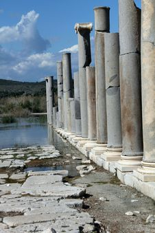Free Roman Columns Stock Images - 24381684