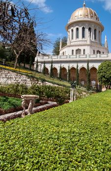 Baha I Gardens And Temple Dome Royalty Free Stock Image