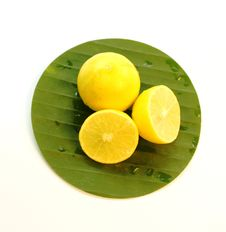 Free Yellow Lemons Royalty Free Stock Image - 24485216