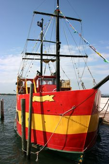 Free Pirate Ship Royalty Free Stock Photo - 2454825
