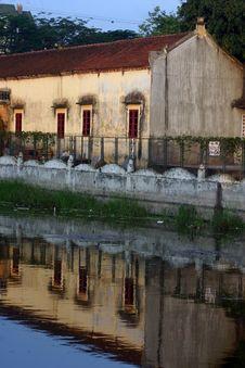 Free Pagoda Reflections Stock Photography - 2458122