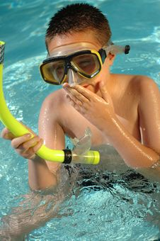 Free Boy Snorkeling Royalty Free Stock Photo - 2458465