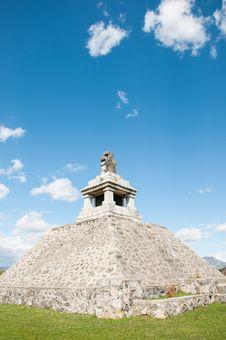 Free Beautiful Pyramid Monument Stock Photography - 24500852