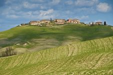 Free Tuscany - Green Hill Royalty Free Stock Images - 24509389