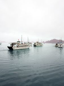 Tourist Boats In Halong Bay, Vietnam Royalty Free Stock Photography