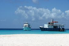 Free Beach And Boats Royalty Free Stock Photos - 24518658