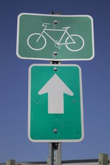 Free Bike Path Sign Royalty Free Stock Image - 24550676