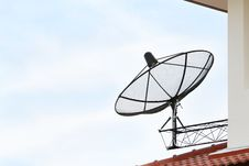 Free Black Satellite Dish Stock Photography - 24567562