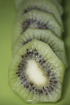Free Slice Kiwi Royalty Free Stock Photos - 24580348