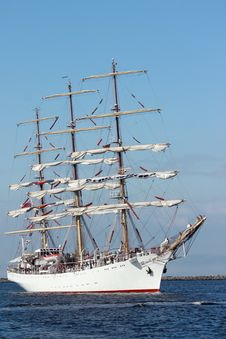 Free Sailing Ships &x28;worldwide Parade&x29; Royalty Free Stock Photo - 24582305