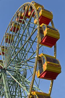 Free Attraction Ferris Wheel. Royalty Free Stock Photography - 24595837