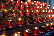 Free Candles To Remembrance Royalty Free Stock Photos - 2461308