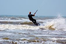 Free Kite Surfing Royalty Free Stock Image - 2465616