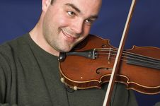 Free Portrait Of Man Playing Violon Stock Photos - 2467473