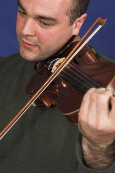 Free Portrait Of Man Playing Violon Royalty Free Stock Photos - 2467478