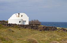 Free Tradiitonal House At Santorini Island Royalty Free Stock Photography - 24606757