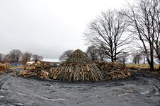 Free Charcoal Pile Stock Images - 24609654