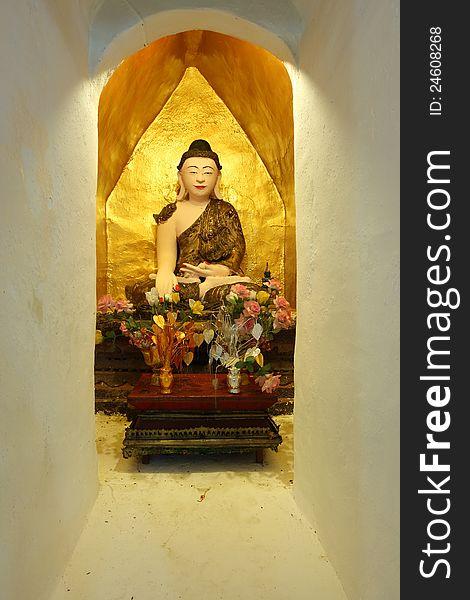 Image of Buddha in Burmese style