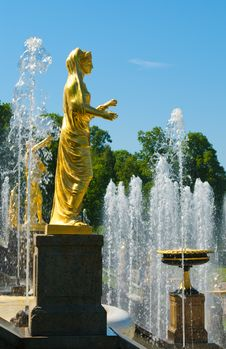 Free Old Statue On Fountains Background Royalty Free Stock Image - 24632326