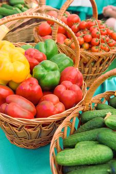Free Basket With Vegetables Stock Images - 24652474
