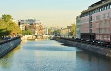 Free Canal In The Big City Stock Photos - 24663013