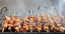 Free Fresh Meat Prepared On Fire Royalty Free Stock Images - 24671019
