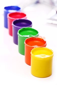 Free Cans With Colorful Paint Royalty Free Stock Photography - 24671117