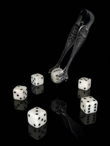 Free Dice And Ancient Silver Nippers. Royalty Free Stock Photo - 24689155