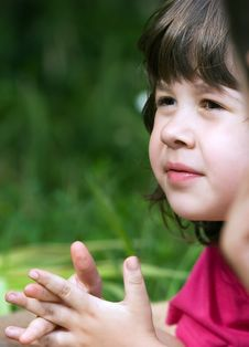 Little Girl Looking And Listen Royalty Free Stock Images
