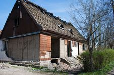 Free Old Broken House Royalty Free Stock Image - 24701966