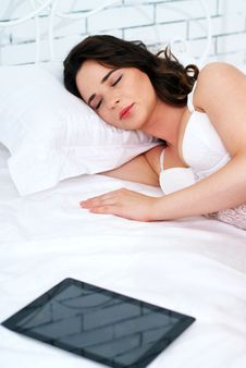 Free Beautiful Young Woman Using Tablet Computer Royalty Free Stock Photo - 24727905