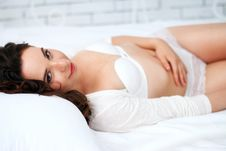 Free Lovely Brunette Posing In A Bedroom Royalty Free Stock Photo - 24729465