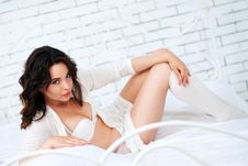 Free Lovely Brunette Posing In A Bedroom Royalty Free Stock Images - 24729519