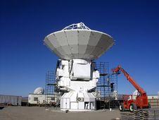 Free Constructing A Radio Telescope Royalty Free Stock Image - 24736326