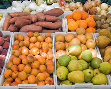 Free Fruit Stand &x28;2 Of 2&x29; Stock Photography - 24778682