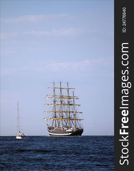 Sailing ships &x28;worldwide parade in Rostock&x29;