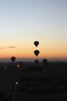 Free Sunrise Ballooning Royalty Free Stock Photography - 24795977