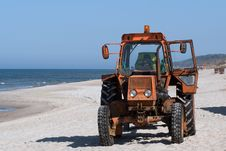 Free Tractor On The Beach Royalty Free Stock Images - 2487789