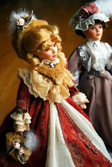 Free Two Elegant Lady Dolls Royalty Free Stock Images - 2489499
