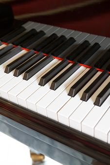 Free Grand Piano Royalty Free Stock Image - 24824056
