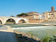Free Small Waterfall On Tiber River In Rome Royalty Free Stock Photos - 24849398
