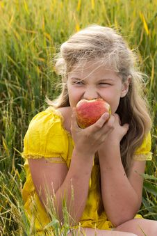Free Girl With Apple Royalty Free Stock Image - 24853836