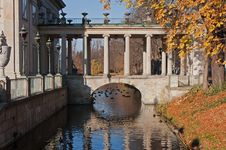 Free Palace In The Park By A Pond Royalty Free Stock Images - 24885199